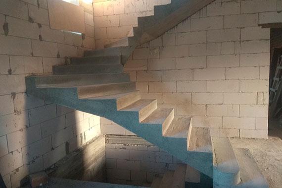 Лестницы под ключ - фото 15