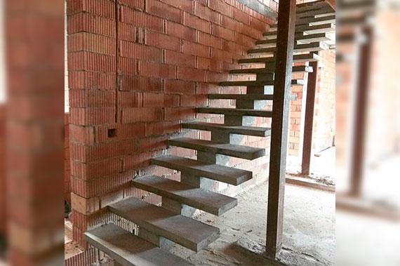 Лестницы под ключ - фото 23