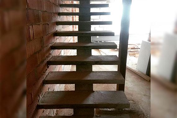 Лестницы под ключ - фото 28