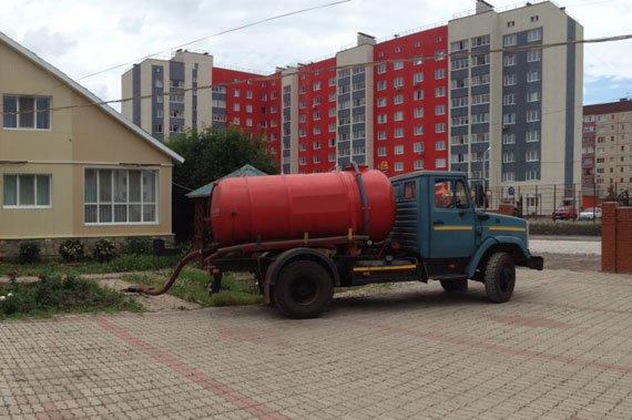 Откачка канализации - фото 1